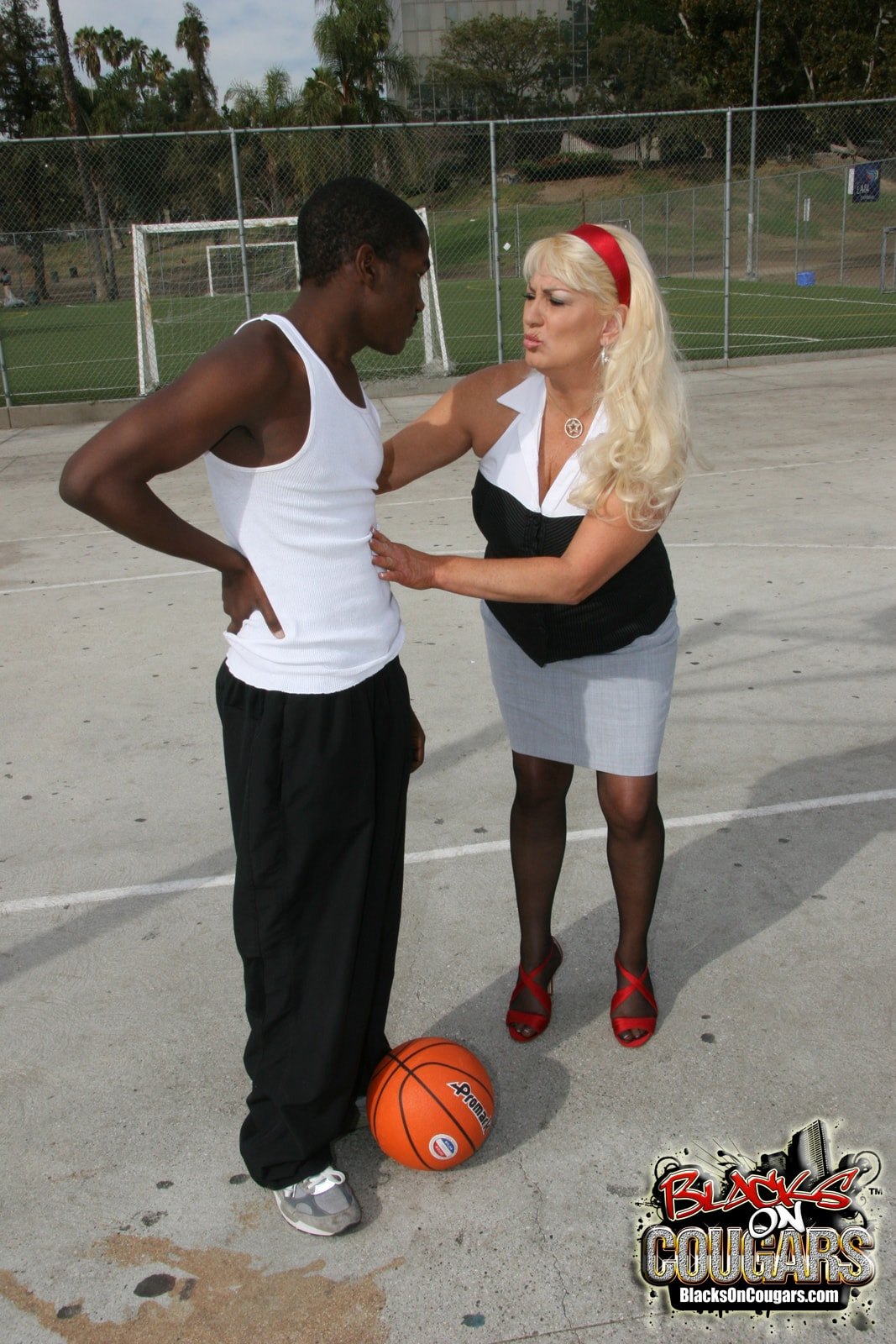 Dogfart '- Blacks On Cougars' starring Dana Hayes (Photo 4)