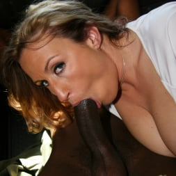 Joey Lynn in 'Dogfart' - Blacks On Cougars (Thumbnail 25)