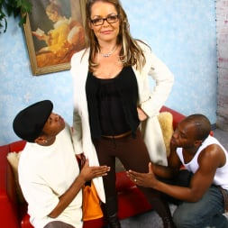 Kelly Leigh in 'Dogfart' - Blacks On Cougars (Thumbnail 6)