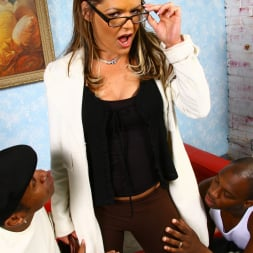 Kelly Leigh in 'Dogfart' - Blacks On Cougars (Thumbnail 7)