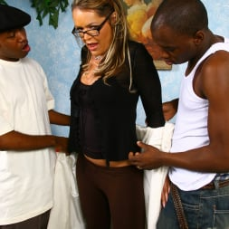 Kelly Leigh in 'Dogfart' - Blacks On Cougars (Thumbnail 8)