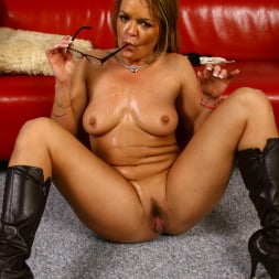 Kelly Leigh in 'Dogfart' - Blacks On Cougars (Thumbnail 30)