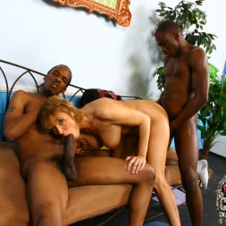 Nicole Moore in 'Dogfart' - Blacks On Cougars (Thumbnail 25)