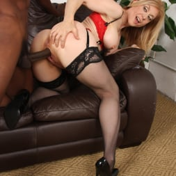 Nina Hartley in 'Dogfart' - Blacks On Cougars (Thumbnail 28)