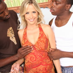 Payton Leigh in 'Dogfart' - Blacks On Cougars (Thumbnail 6)