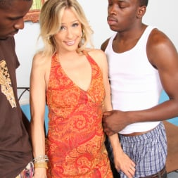 Payton Leigh in 'Dogfart' - Blacks On Cougars (Thumbnail 7)