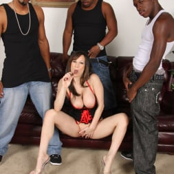 Stephanie Wylde in 'Dogfart' - Blacks On Cougars (Thumbnail 12)