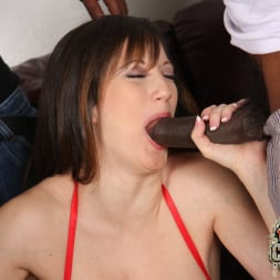Stephanie Wylde in 'Dogfart' - Blacks On Cougars (Thumbnail 13)