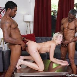 Zoe Sparx in 'Dogfart' - Cuckold Sessions (Thumbnail 17)