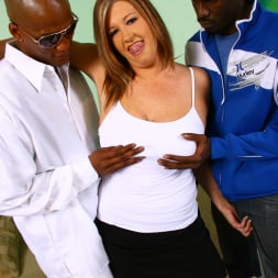 Zoey Andrews in 'Dogfart' - Blacks On Cougars (Thumbnail 6)